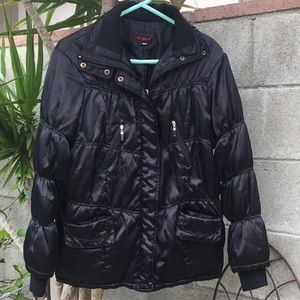 Black puffy jacket by All Place size L
